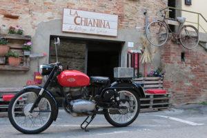 Una mostra-raduno di mezzi d'epoca per le strade di Montagnano